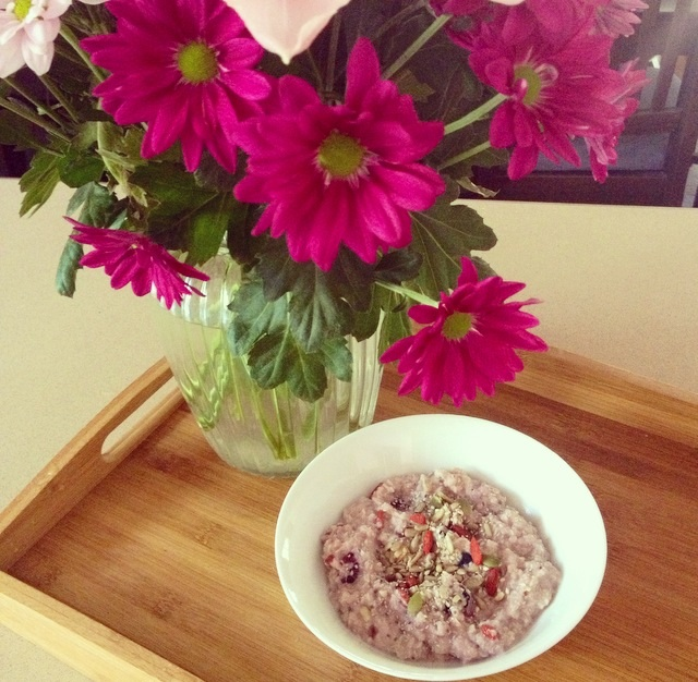 Quinoa flakes porridge